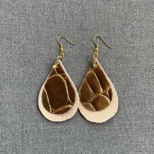 🌿3/$35🌿 Handmade Leather Earrings
